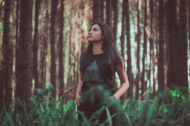 Photo by Allef Vinicius - wild woman in the forest